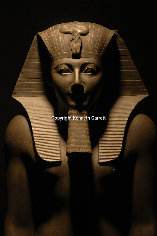 Thutmosis III, Egypt, Luxor Museum, Hatshepsut, New Kingdom, Karnak Temple, 18th dynasty, statue