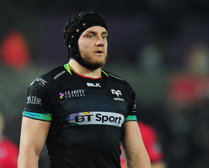 Ospreys' James King<br /> <br /> Photographer Kevin Barnes/CameraSport<br /> <br /> Guinness PRO12 Round 10 - Ospreys v Edinburgh Rugby - Friday 2nd December 2016 - Liberty Stadium - Swansea<br /> <br /> World Copyright &copy; 2016 CameraSport. All rights reserved. 43 Linden Ave. Countesthorpe. Leicester. England. LE8 5PG - Tel: +44 (0) 116 277 4147 - admin@camerasport.com - www.camerasport.com