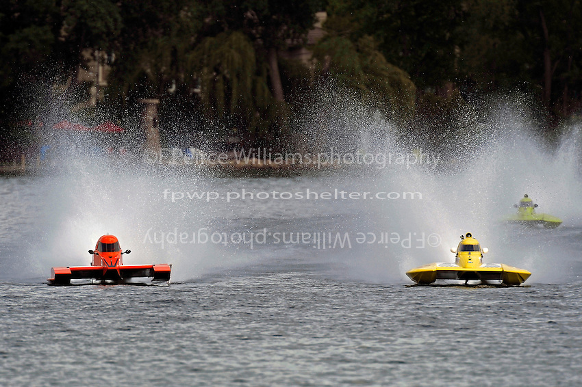 "Chris Ritz, Y-2, Dan Kanfoush, Y-1 ""Fast Eddie Too"" and Marty Hammersmith, Y-4 ""Nauti-Buoy Racing"" (1 Litre MOD hydroplane(s)"