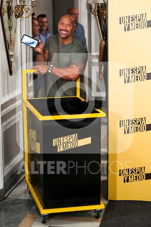 """American actor Dwayne Johnson during the presentation of the film """"Un espia y medio"""" at Hotel Villa Magna in Madrid. June 07. 2016. (ALTERPHOTOS/Borja B.Hojas)"""