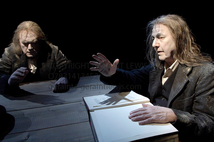 Ohio Impromptu by Samuel Beckett .With Harry Towb,Peter Cadden. Opens at the Pit at the  Barbican Theatre on a double bill with Rockaby on 21/3/06. CREDIT Geraint Lewis