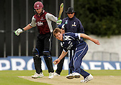 Scottish Saltires V Somerset Sabres, Friends Provident Trophy, Grange CC, Edinburgh - home aggression from Saltires bowler Dewalt Nel, which helped restrict the visitors to 220 for 8 - Picture by Donald MacLeod - 20 May 2009