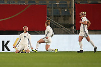 24.11.2017, Football Frauen Laenderspiel, Germany - France, in der SchuecoArena Bielefeld. Jubel   Alexandra Popp (Germany) , Linda Dallmann (Germany) und Mandy Islacker (Germany) celebrates scoring to 1:0 *** Local Caption *** © pixathlon +++ tel. +49 - (040) - 22 63 02 60 - mail: info@pixathlon.de<br />