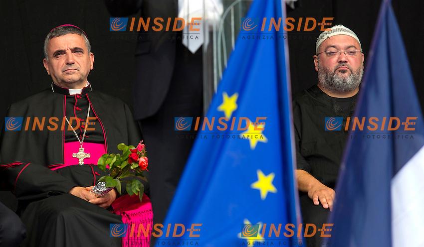 Il Vescovo Dominique Lebrun con un rappresentante della comunit&agrave;' musulmana<br /> St Etienne 28/7/2016 Commemorazione solenne di Jacques Hamel, il parroco ucciso a St Etienne.<br /> Foto Stephen Caillet / Panoramic / Insidefoto