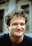 New York City, USA. September 1981. Photo of Robin Williams, street performer, in front of the Metropolitan Museum.