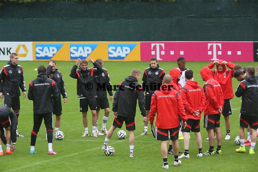 Training im strömenden Regen - Training der Deutschen Nationalmannschaft  zur WM-Vorbereitung in St. Martin