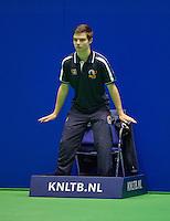 Rotterdam, Netherlands, December 17, 2015,  Topsport Centrum, Lotto NK Tennis, Linesman Wesley de Leeuw  (NED)<br /> Photo: Tennisimages/Henk Koster