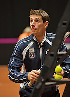 April 15, 2015, Netherlands, Den Bosch, Maaspoort, Fedcup Netherlands-Australia, Dutch Captain Paul Haarhuis <br /> Photo: Tennisimages/Henk Koster