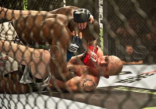 24.06.2011, Washinton, USA.  Derek Brunson delivers a shot to the jaw of Jeremy Hamilton during the STRIKEFORCE Challengers at the ShoWare Center in Kent, Washington. Brunson won by unanimous decision.