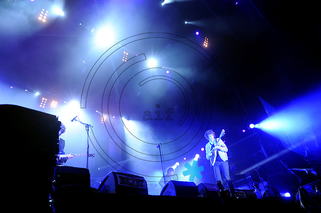 Highfield-Festival 2011 am Störmthaler See. im Bild: The Kooks, Sänger Luke Pritchard kanns auch an der Gitarre.. Foto: Alexander Bley