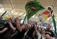 """Handball Relegation 2. Handball Bundesliga DHB Männer - SC DHfK : Dessau-Rosslauer Handballverein von 2006 e.V. DRHV 06 """"The beavers"""" - im Bild: der Leipziger Aufstiegsjubel kennt keine Grenzen - Uwe Jungandreas und sein Team mit Verstärkung durch Weltklasse-Spieler Joel Abati - so kann Liga 2 kommen . Foto: aif / Norman Rembarz..Jegliche kommerzielle wie redaktionelle Nutzung ist honorar- und mehrwertsteuerpflichtig! Persönlichkeitsrechte sind zu wahren. Es wird keine Haftung übernommen bei Verletzung von Rechten Dritter. Autoren-Nennung gem. §13 UrhGes. wird verlangt. Weitergabe an Dritte nur nach  vorheriger Absprache. Online-Nutzung ist separat kostenpflichtig.."""