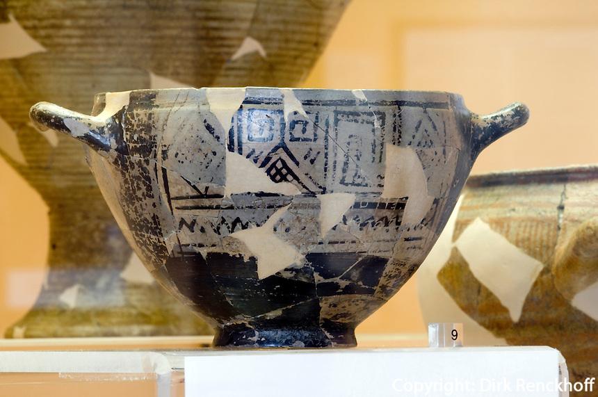 Italien, Ischia, Museum Villa Arbusto in Lacco Ameno, Becher des Nestor 770-760 v.Chr. aus griechischer Siedlung Pithecoussai
