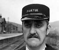 The Railway Children (1970) <br /> Bernard Cribbins<br /> *Filmstill - Editorial Use Only*<br /> CAP/KFS<br /> Image supplied by Capital Pictures