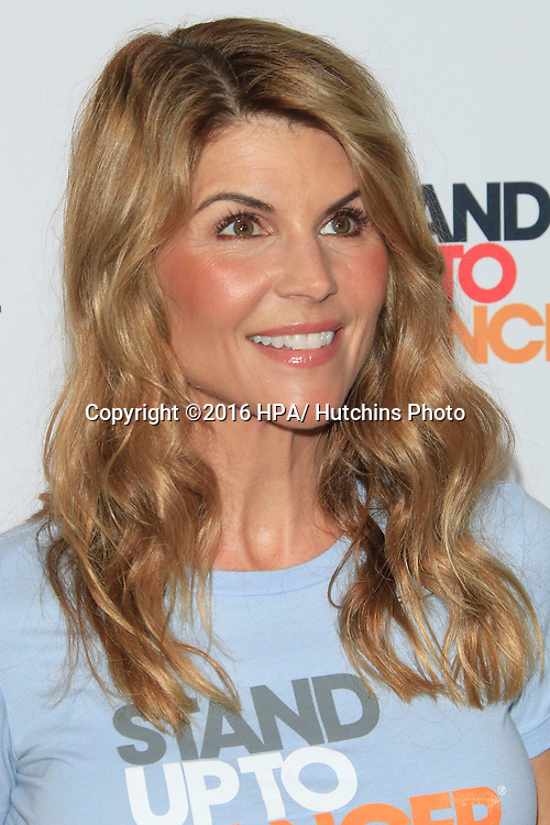 LOS ANGELES - SEP 9:  Lori Loughlin at the 5th Biennial Stand Up To Cancer at the Walt Disney Concert Hall on September 9, 2016 in Los Angeles, CA