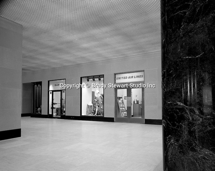 Pittsburgh PA:  Grant Building, First Floor United Airlines Office - 1968