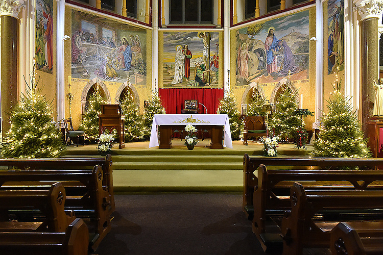 The altar in the Dominican church Drogheda. Photo:Colin Bell/pressphotos.ie