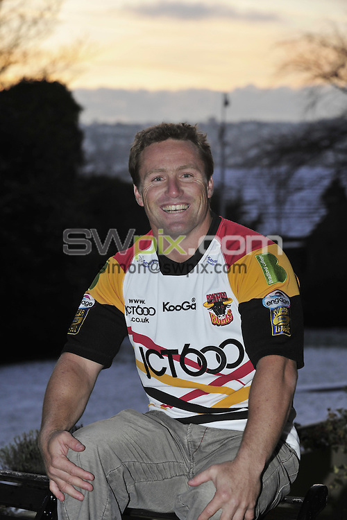 PICTURE BY Ben Duffy/SWPIX.COM - Rugby League Bradford Bulls - Matt Orford.....04/01/10..Copyright - Simon Wilkinson - 07811267706...Bradford Bulls new superstar Australian signing, Matt Orford arrives to a chilly Bradford