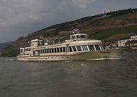 General view of the K-D Line ship Asbach on the River Rhein at R&uuml;desheim am Rhein, Hesse, Germany.<br /> <br /> Gesamtansicht der KD Linienschiff Asbach auf dem Fluss Rhein bei R&uuml;desheim am Rhein, Hesse, Deutschland.