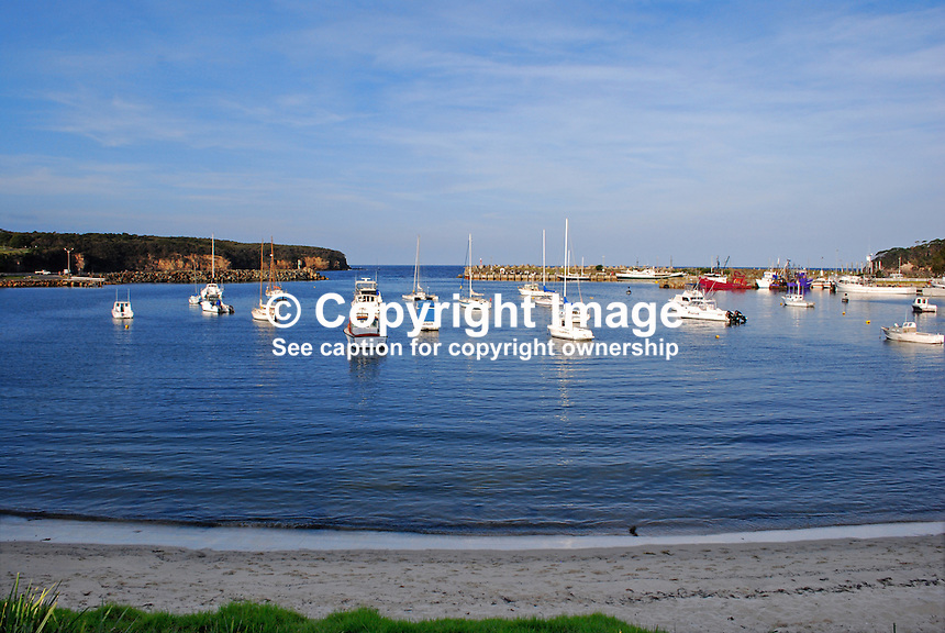 Ulladulla, New South Wales, Australia, natural harbour, boats, yachts, pleasure craft, boating, sailing, recreation, leisure, 201003244870..© Victor Patterson, 54 Dorchester Park, Belfast, N Ireland. Tel: +44 2890661296; Mobile: +44 7802 353836; Emails: victorpatterson@me.com & victorpatterson@gmail.com; www.victorpatterson.com