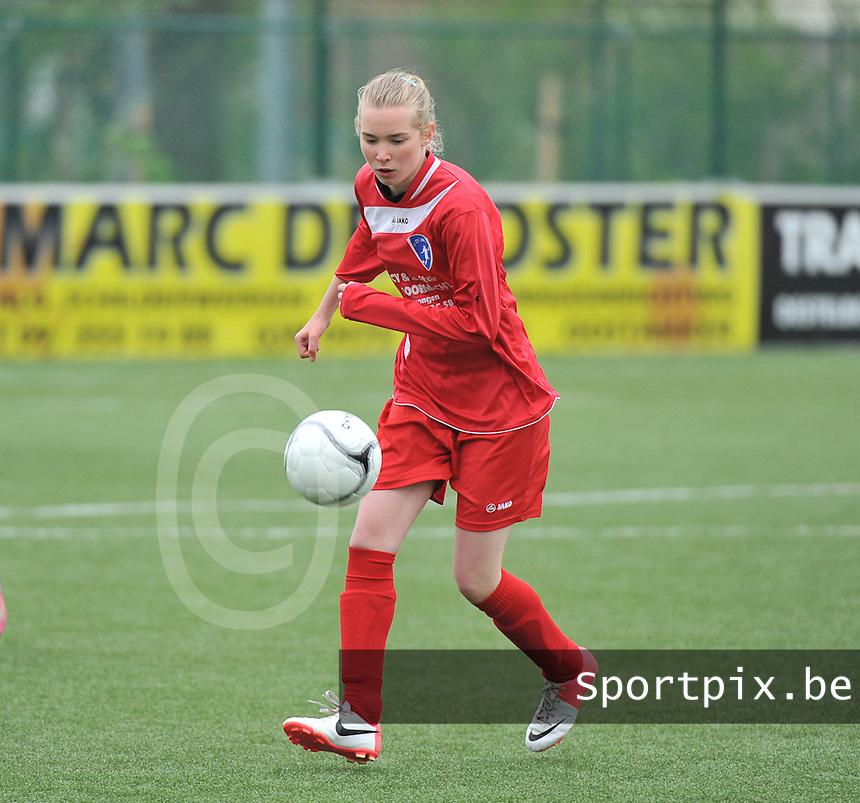 AA Gent Ladies U16 - RSC Anderlecht : Phebe De Bundel.foto DAVID CATRY / Nikonpro.be