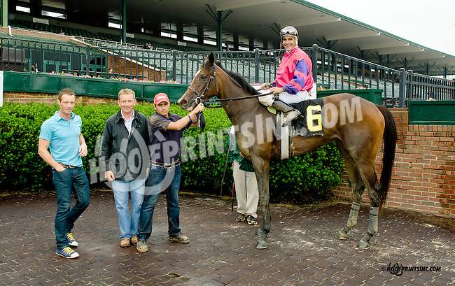 Gasparilla Float winning at Delaware Park racetrack on 6/12/14