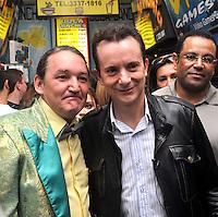 SAO PAULO, SP, 15 DE AGOSTO 2012 – O candidato a prefeitura de Sao Paulo Celso Russomanno e Marquito, candidato a vereador participam nesta manha de caminhada na rua Santa Ifigenia, regiao central. (FOTO: THAIS RIBEIRO / BRAZIL PHOTO PRESS).