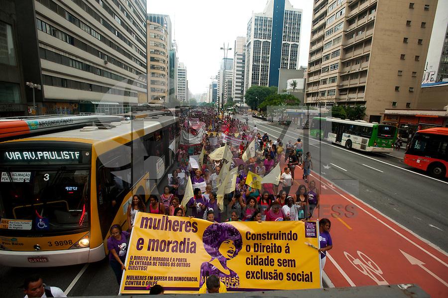 SÃO PAULO,SP, 08.03.2016 - DIA-MULHER - Marcha das Mulheres de diversos seguimentos sociais e feministas em comemoração ao Dia Internacional da Mulher, na avenida Paulista, nesta terça-feira, 08. (Foto: Gabriel Soares/Brazil Photo Press)