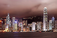 Hong Kong Central above Victoria Harbour viewed from Tsim Sha Tsui Promenade, Kowloon waterfront, Hong Kong SAR, China, Asi