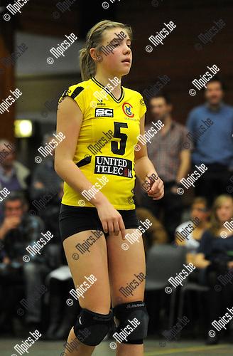 2010-10-16 / Volleybal / seizoen 2010-2011 / Smash Oud-Turnhout / Celine Van Gestel..Foto: Mpics