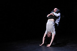 REZO....Choregraphie : Sylvie Pabiot..Compagnie : Wejna..Lumiere : Pierre Court..Avec :..Alexandre Da Silva, Laurent Gibeaux, Martin Grandperret, Nikola Krizkova, Sarah Pellerin..Lieu : Centre National de la Danse..Ville : Pantin..Le : 01 12 2009..© Laurent PAILLIER / photosdedanse.com..All rights reserved