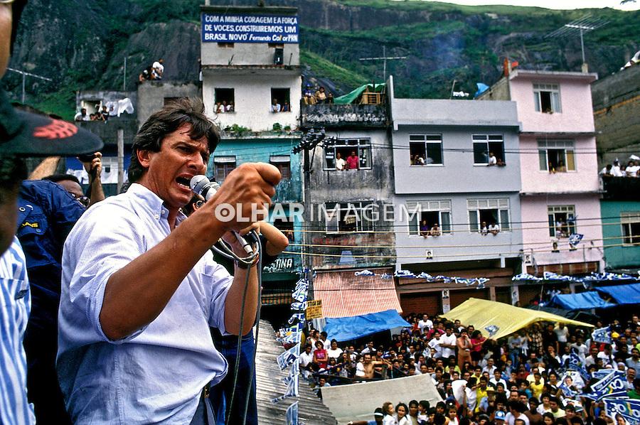 Fernando Collor de Mello em campanha eleitoral, Rocinha, Rio de Janeiro. 1989. Foto de Ricardo Azoury.