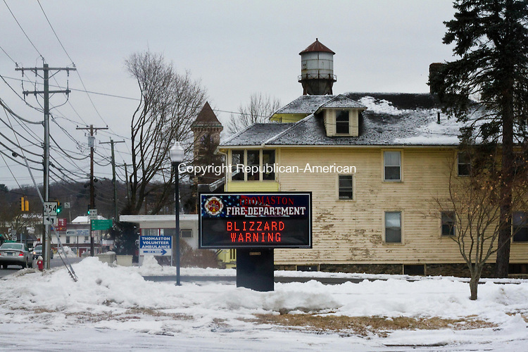 THOMASTON, CT, 26 January 2015-012615LW02 - A sign in front of the Thomaston Fire Department warns drivers of the coming blizzard Monday afternoon. Laraine Weschler Republican-American