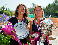 Netherlands, Amstelveen, August 23, 2015, Tennis,  National Veteran Championships, NVK, TV de Kegel,  awards ceremony woman 45+ : winner Eveline Hamers (R)  and runner up Mariëlle Spekreijse<br /> Photo: Tennisimages/Henk Koster
