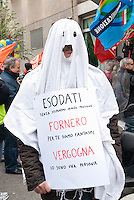 Sciopero generale territoriale. Manifestazione sotto la sede Rai indetto da CGIL. Milano, 18 aprile 2012...General territorial strike. Demonstration in front of RAI broadcaster organized by labour unions (CGIL). Milan, April 18, 2012.