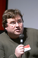 Reid Hoffman, founder and CEO of LinkedIn at the Les Blog conference in Paris December 2005 on blogging, new media and internet strategy
