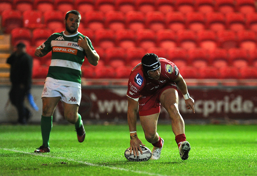 TRY - Scarlets' DTH Van Der Merwe scores his sides seventh try <br /> <br /> Photographer Ashley Crowden/CameraSport<br /> <br /> Guinness PRO12 Round 19 - Scarlets v Benetton Treviso - Saturday 8th April 2017 - Parc y Scarlets - Llanelli, Wales<br /> <br /> World Copyright &copy; 2017 CameraSport. All rights reserved. 43 Linden Ave. Countesthorpe. Leicester. England. LE8 5PG - Tel: +44 (0) 116 277 4147 - admin@camerasport.com - www.camerasport.com