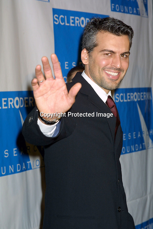 ©2002 KATHY HUTCHINS / HUTCHINS PHOTO.COOL COMEDY , HOT CUISINE.BENEFITNG THE SCHLERADERMA FOUNDATION.BEVERLY WILSHIRE HOTEL, .BEVERLY HILLS,CA.NOVEMBER 1, 2002..ODED FEHR.