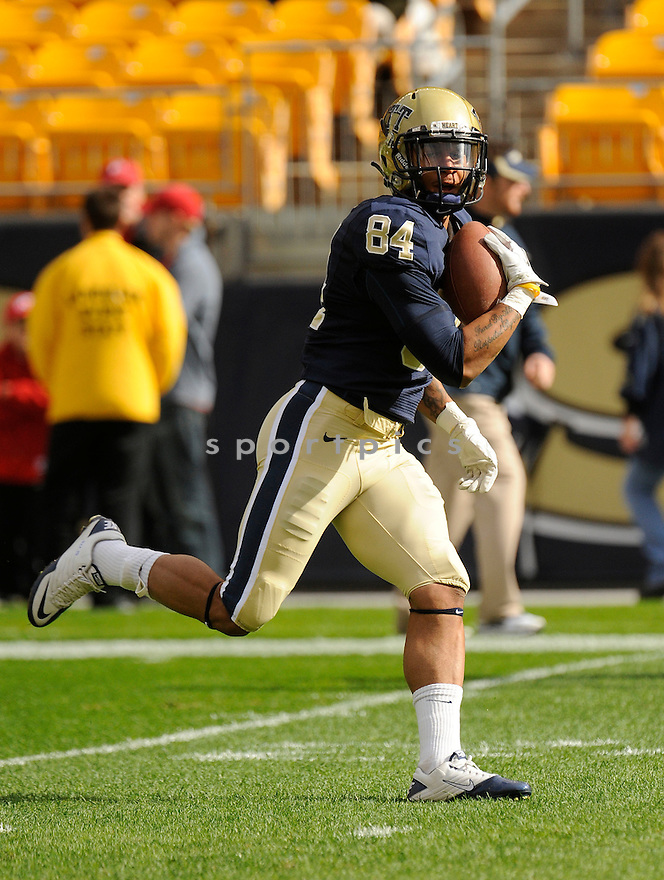 ED TINKER, of the Pittsburgh Panthers, in action, during Pitt's game against the Utah Utes on October 15, 2011 at Heinz Field in Pittsburgh, PA. Utah beat Pitt 26-14.