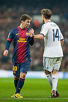 Alonso and Messi fight near penalty area