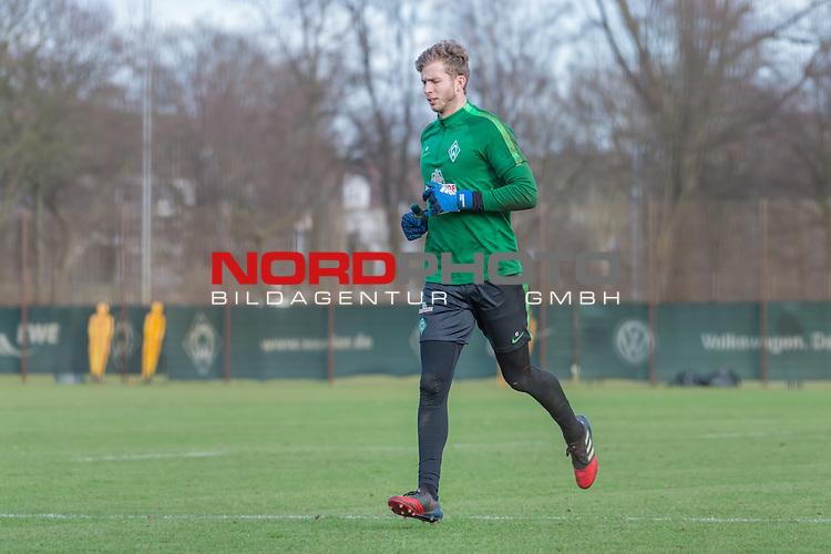 21.02.2017, Trainingsgelaende, Bremen, GER, 1.FBL, Training Werder Bremen<br /> <br /> im Bild<br /> Felix Wiedwald (Bremen #42), <br /> <br /> Foto &copy; nordphoto / Ewert