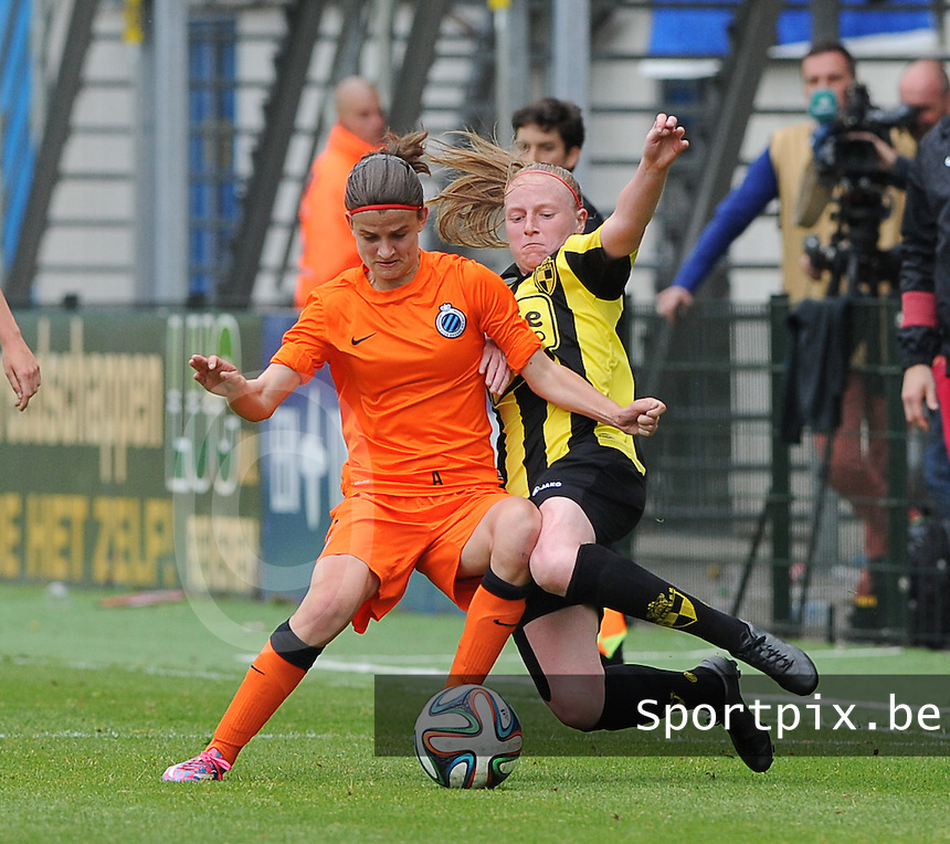 Bekerfinale vrouwen 2015 : Lierse-Club Brugge Vrouwen :<br /> <br /> Tackle van Silke Leynen (R) op Amber De Priester (L)<br /> <br /> foto VDB / BART VANDENBROUCKE