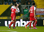 Nederland, Breda, 29 november 2014<br /> Eredivisie<br /> Seizoen 2014-2015<br /> NAC Breda-FC Utrecht (1-5)<br /> Ruud Boymans omhelst ploeggenoot Edouard Duplan na een doelpunt