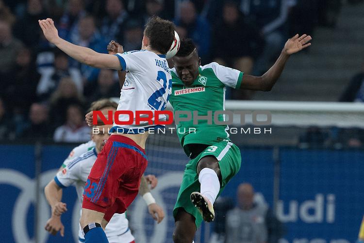 22.04.2016, Volksparkstadion, Hamburg, GER, 1.FBL. Hamburger SV vs Werder Bremen , im Bild<br /> <br /> Matthias Ostrzolek (Hamburger SV #22)<br /> Papy Djilobodji  (Bremen #3)<br /> <br /> Foto &copy; nordphoto / Kokenge