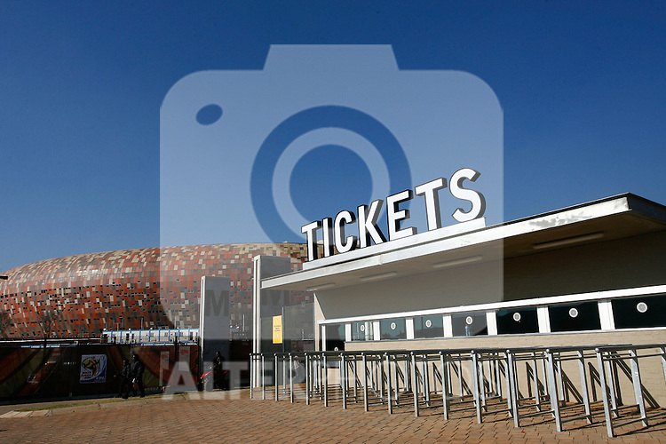 RSA, FIFA WM 2010, Soccer City Stadium Feature.08.06.2010, Soccer City Stadium, Johannesburg, RSA, FIFA WM 2010, Soccer City Stadium Feature im Bild eine Übersicht auf das Stadion mit dem Ticket Schalter, EXPA Pictures © 2010, PhotoCredit: EXPA/ IPS/ Mark Atkins