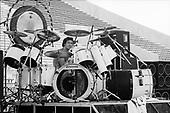 VAN HALEN,LIVE, 1980, NEIL ZLOZOWER