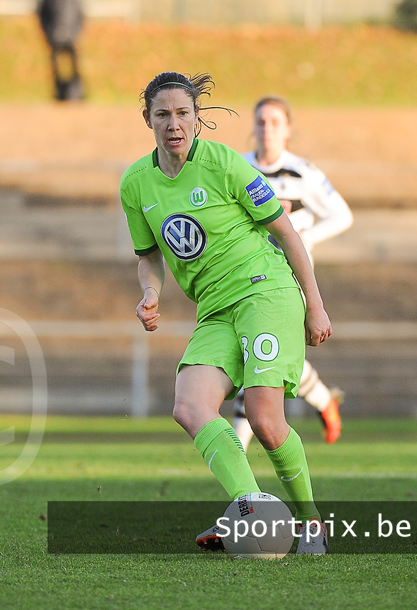 20161105 - MOENCHENGLADBACH , GERMANY : Wolfsburg's Elise Bussaglia pictured during an Allianz Frauen Bundesliga game between Borussia Mönchengladbach and Vfl Wolfsburg during the 7th spieltag - game for the 2016-2017 Allianz Frauen-Bundesliga season , Saturday 5 th November 2016 ,  PHOTO Dirk Vuylsteke | Sportpix.Be