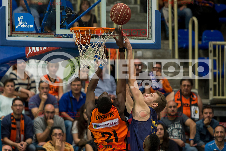 Montakit Fuenlabrada's Moussa Diagne and FC Barcelona Lassa's during the match of Endesa ACB League between Fuenlabrada Montakit and FC Barcelona Lassa at Fernando Martin Stadium in fuelnabrada,  Madrid, Spain. October 30, 2016. (ALTERPHOTOS/Rodrigo Jimenez) /NORTEPHOTO.COM