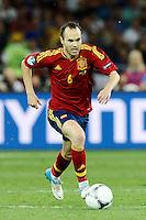 KIEV, UCRANIA, 01 JULHO 2012 - EU2012 FINAL - ESPANHA X ITALIA - Andres Iniesta jogador da Espanha durante partida contra a Italia na decisão da Euro 2012 entre Espanha e Itália, em Kiev, Ucrânia, neste domingo (01).  (FOTO: PIXATHLON / BRAZIL PHOTO PRESS).