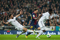 Arbeloa, Essien and Messi try to block Messi attack