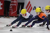 SHORT TRACK: DORDRECHT: Sportboulevard, 13-02-2016, ISU World Cup Short Track Final 2015/2016, Elise Christie (#4), Rianne de Vries (#18), ©photo Martin de Jong